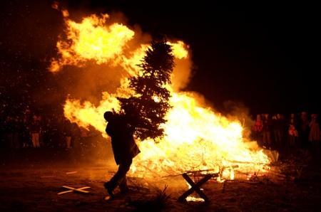 quemadearboldenavidad